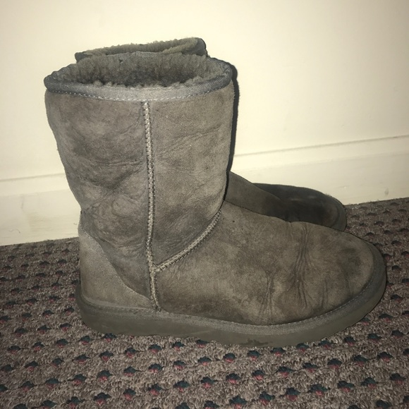 596d6086489 Women's Classic Gray UGG Boots Size 8